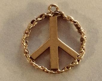 10K solid gold peace sign charm vintage #G 134