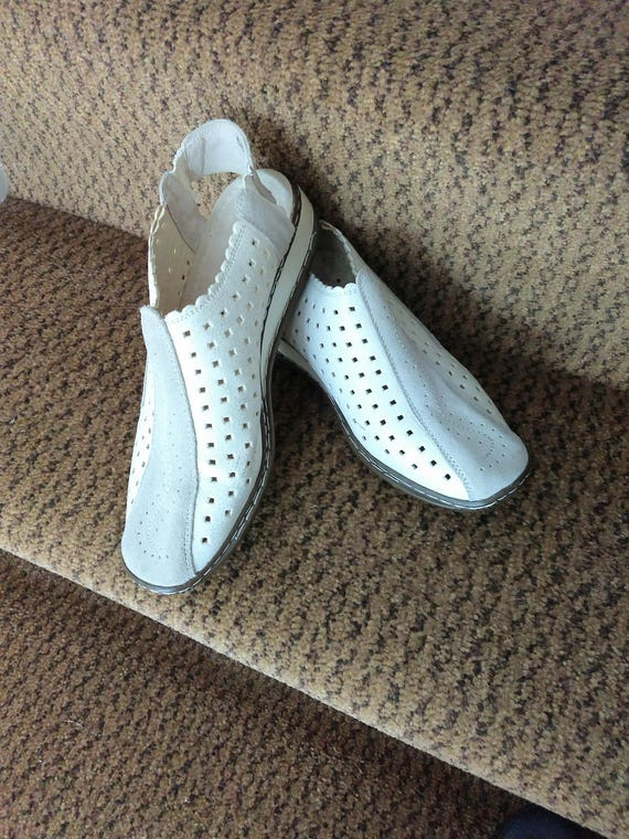 DONATELLA White Leather Sport Shoes/Size 9 Womens