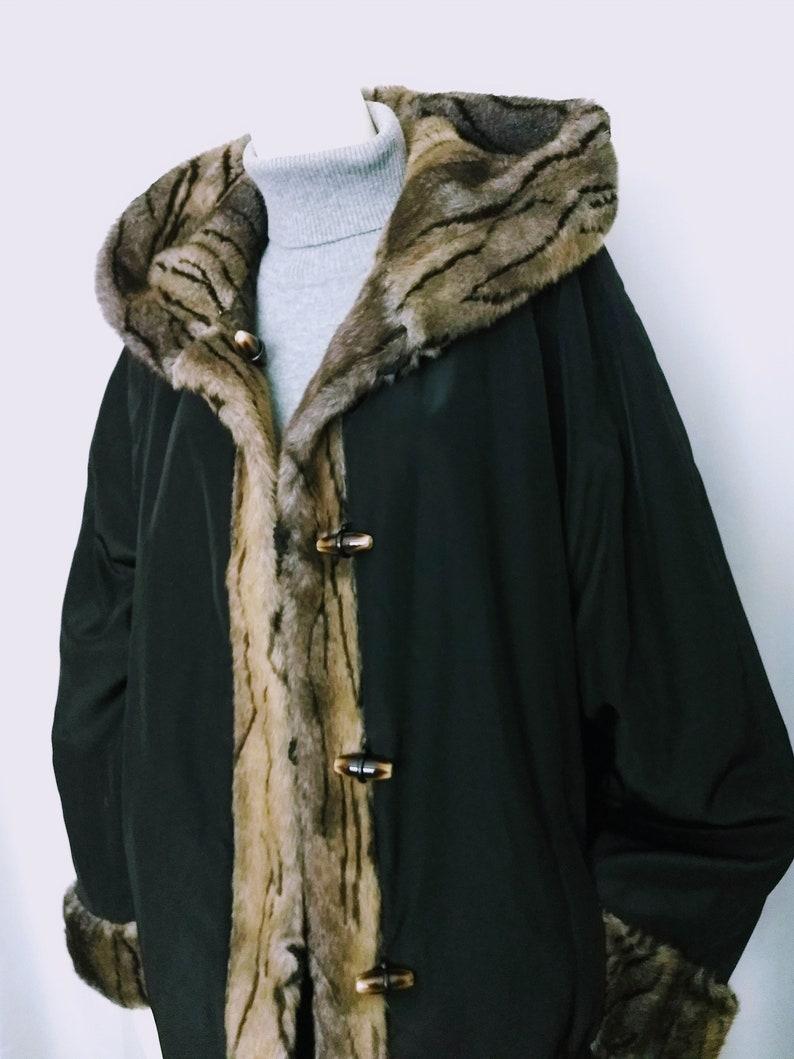 d732b46ed0cf6 VTG Size XL Black CoatRiversible Faux Fur CoatAnimal Print