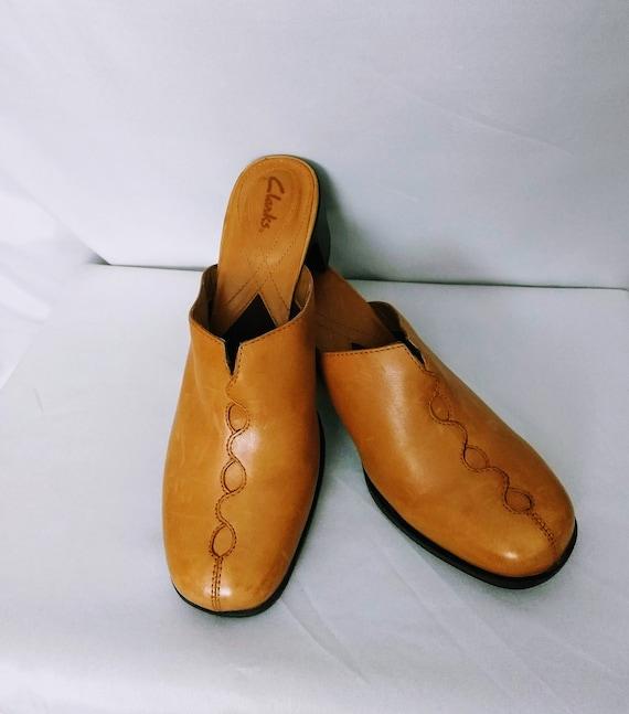 Vtg CLARK Clogs Shoes,Tan Leather Clogs, Open Back