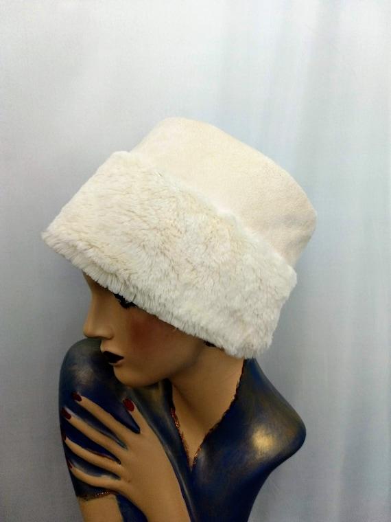 Winter White Faux Suede Bucket Hat,Faux Fur Hat,Wi