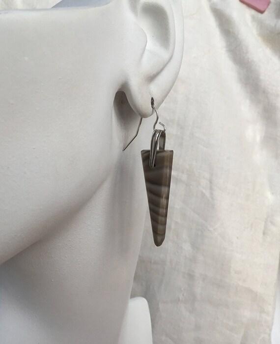 Flint dangle earrings/triangle stone dangles/caramal color jewelry/flint stone  earrings/chunky dangles/womans drop  earrings