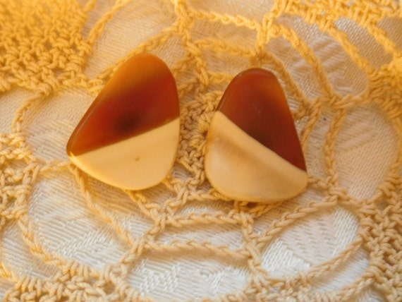 Two tone stud earrings/ cream and carmel color Flat studs/Amber and white studs/ womans stud earrings/office jewelry/