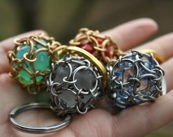 Premium D20 Keychain - Caged D20 - DnD Gift - Chainmaille Keychain - DnD Accessories - MTG Gift - MTG Keychain