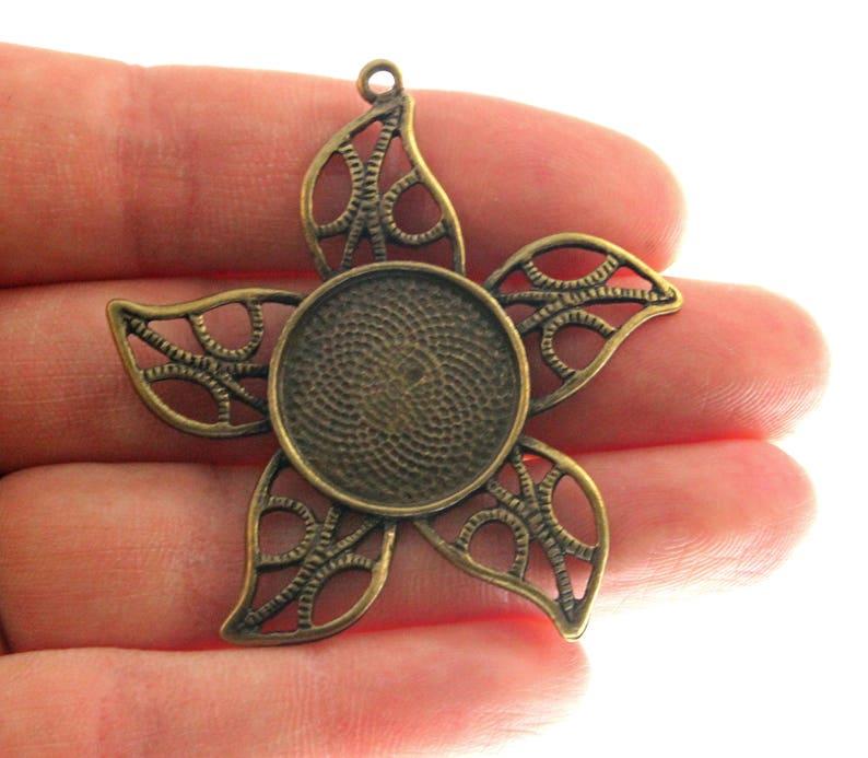 Vintage Bronze Holds 20mm cabochon Star Pendant Setting