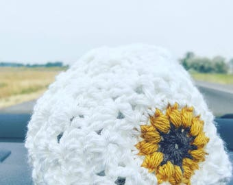 Baby Bonnet . Crocheted Bonnet