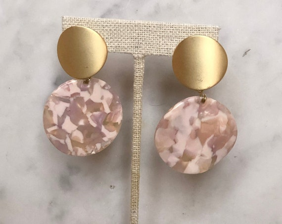 Round Blush Earbobs