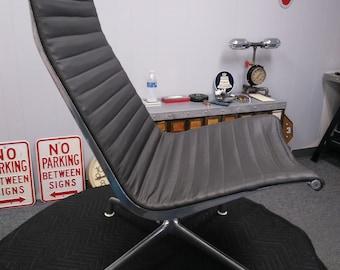 Vintage Herman Miller Swivel Lounge Chair, ** LOCAL P/U ONLY **, Aluminum Group Lounge Chair, Swivel Lounge Chair, Black Vinyl, 1970's