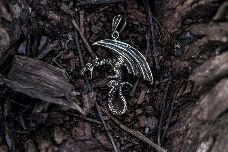 Free shipping! Dragon pendant