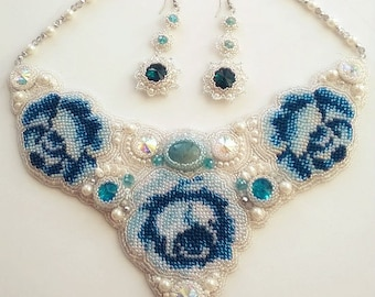 "Necklace and earrings ""snow rose"" wedding decoration"