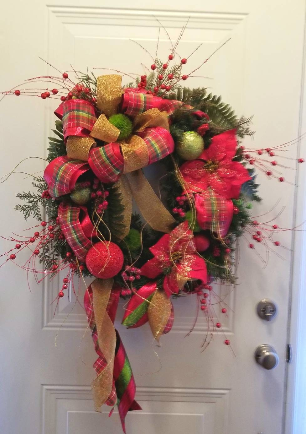 plaid and gold christmas wreath