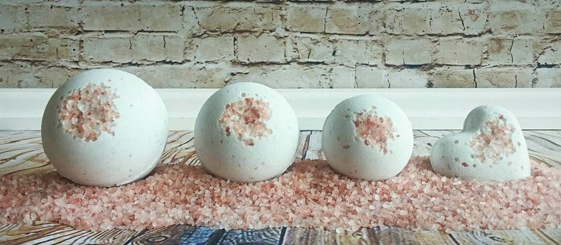 Red Wine Infused Bath Bomb: Best Gifts for Wine Lovers