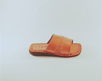 Leather Youth Slides Size 2