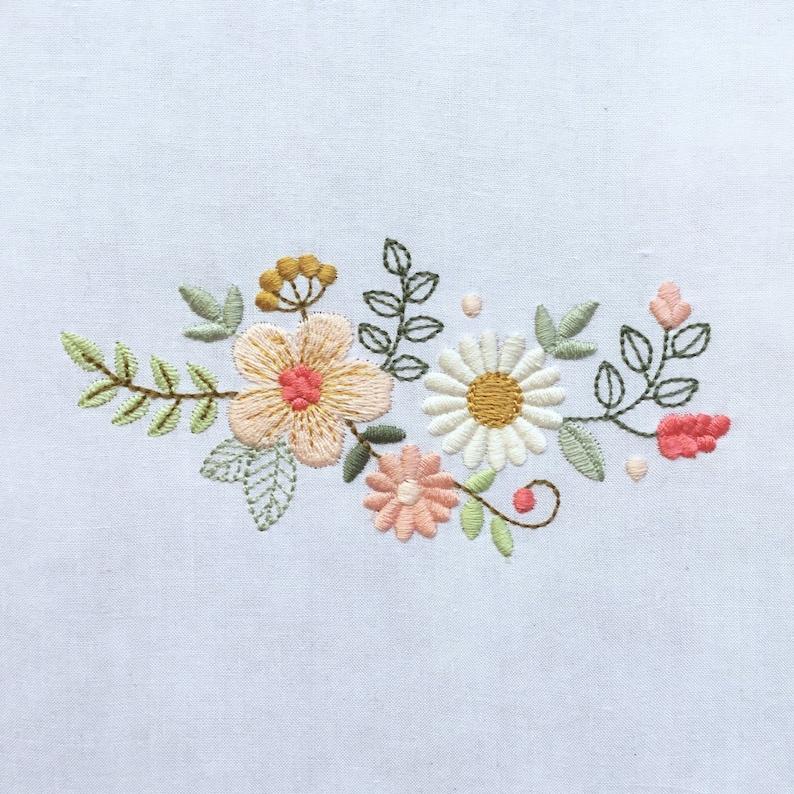 79350a124963 Diseño de flores para bordado a máquina Flores de estilo