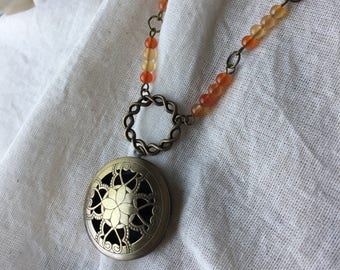 Diffuser necklace with Orange Chalcedony