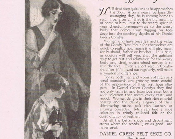 1927 Daniel Green Comfy Slippers Original Vintage Advertisement