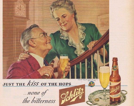 1944 Schlitz Beer Good Night Kiss Original Vintage Advertisement