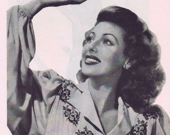 1946 Royal Crown Cola Original Vintage Ad with Beautiful Loretta Young