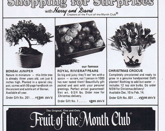 1975 Harry and David Original Fruit-of-the-Month Club or Steuben Glass Beavers with Garnet Eyes Original Vintage Advertisement