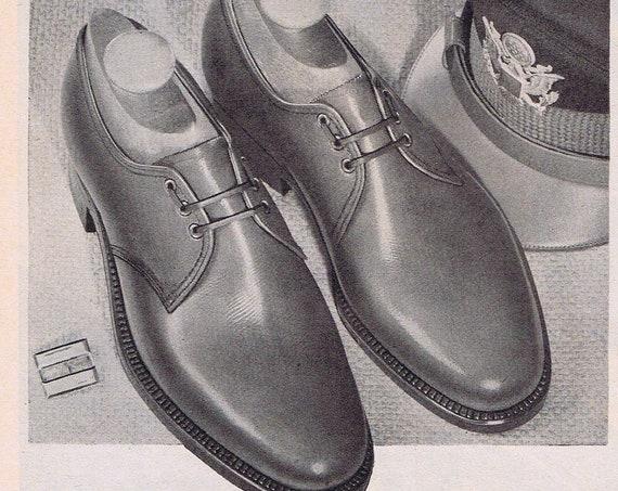 1944 Florsheim Men's Shoes Original Vintage Advertisement