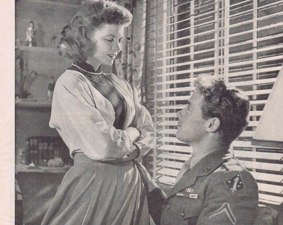 Seductive Dorothy McGuire in 1946 Till the End of Time Original Vintage Magazine Picture with WW2 Soldier Guy Madison