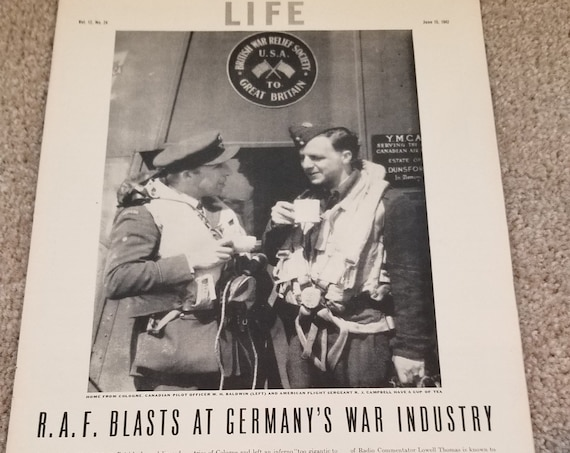The United States in June, 1942 of WW2 with 13 Pages of Great Photos and Information in Original Vintage Magazine Features