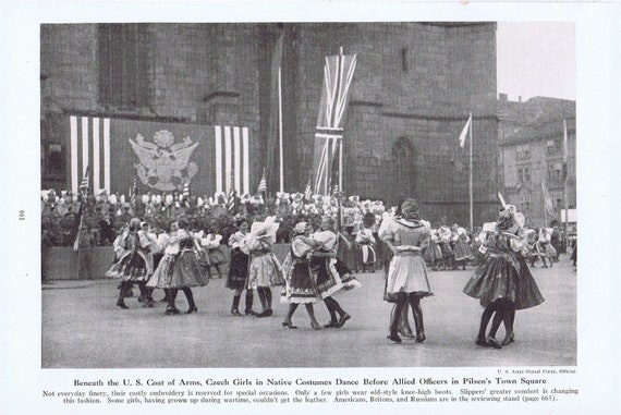Czech Girls in Native Costumes Dance Before Allied Officers in Pilsen 1945 Magazine Photo