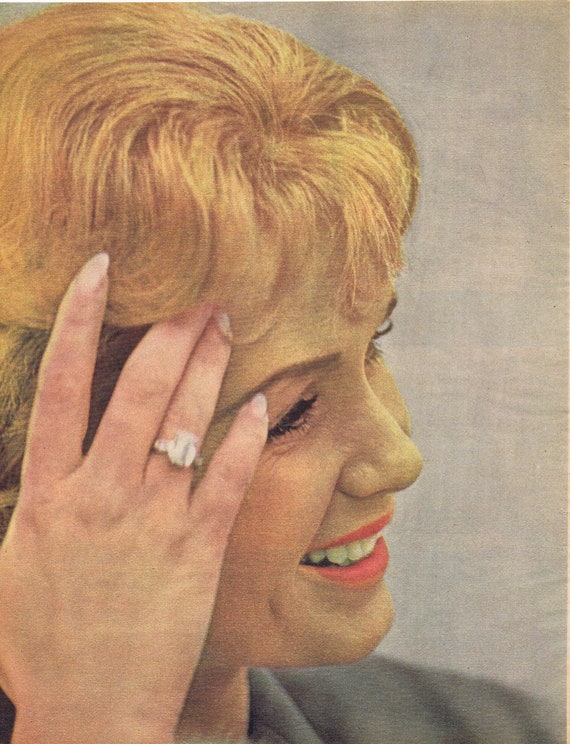 Beautiful Debbie Reynolds 1961 Close-Up Movie Star Magazine Picture
