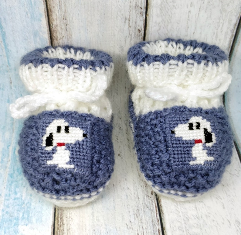 1bad9b0b363f4 Snoopy knitted baby booties, unisex baby booties, gender neutral knitted  baby booties, Snoopy crib shoes, baby shower gift, pregnancy gift