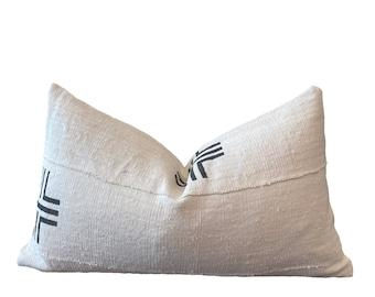 SIDI    LAST STOCK!!    Mudcloth Cushion Cover   White Mud Cloth Black Stripes   Origin: Mali