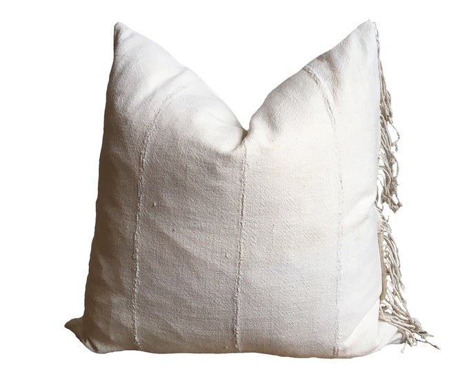 DJENNE || Vintage Mudcloth Pillow Cover | White Mud Cloth | Origin: Mali