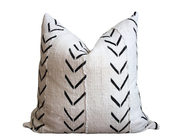 Mudcloth Pillow Cover, African Mud Cloth, White and Black Motif