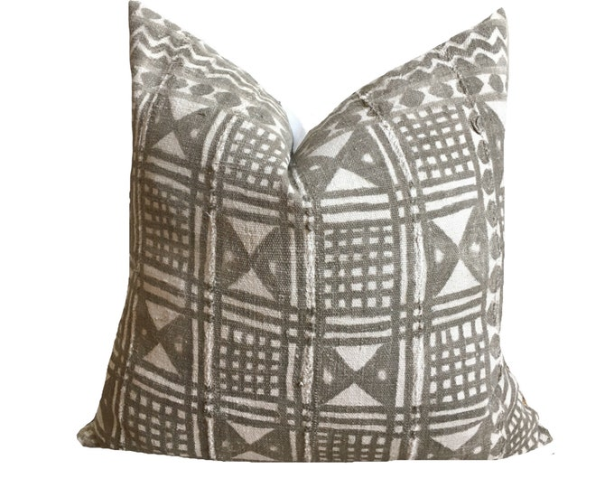Authentic Vintage Mudcloth Pillow Cover, African Mud Cloth, Modderdoek, Mali Bogolan, Gray and Cream Motif