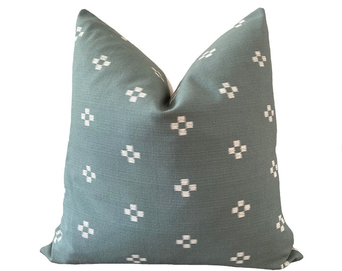 MALEE || Chiang Mai Cotton Pillow Cover | Handwoven sage green | Origin: Thailand