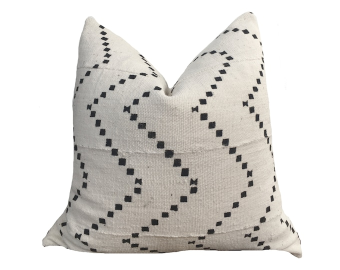 20x20 Mudcloth Pillow Cover, African Mud Cloth, White and Black Motif