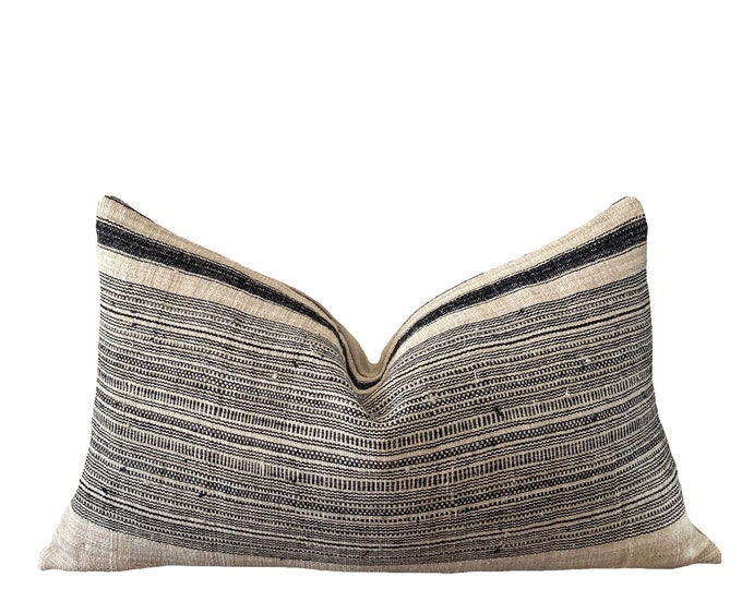 DAASU || Vintage Chiang Mai Hemp Pillow Cover | Handwoven ecru with black stripes | Origin: Thailand