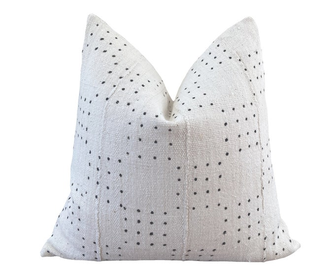 JALI || Vintage Mudcloth Pillow Cover | White Mud Cloth | Origin: Mali