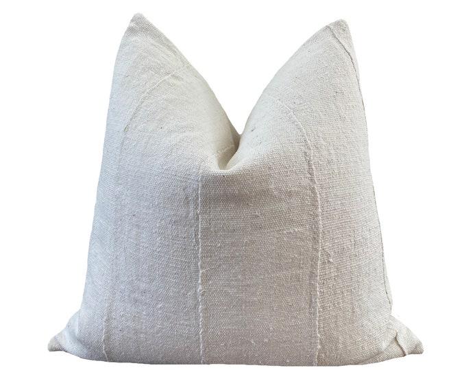 OUMOU || Vintage Mudcloth Pillow Cover | White Mud Cloth | Origin: Mali