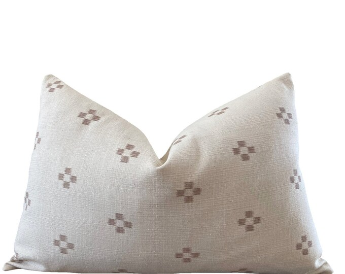 SUDA || Chiang Mai Cotton Pillow Cover | Handwoven ecru with woven accents | Origin: Thailand