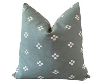 NIN    Chiang Mai Cotton Pillow Cover   Handwoven sage green   Origin: Thailand