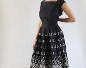 Vintage 1950s Navy Blue Dress | 50s Full Skirt Dress | Blue Border Print Dress | Navy Blue Eyelet Dress | 1950s Dress