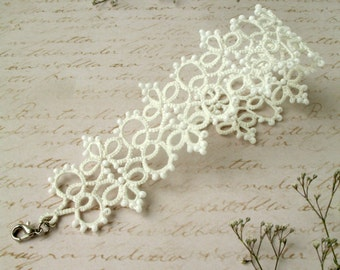 Woman bracelet Tatting lace bracelet Gift for her White wedding bracelet for bride Tatting jewelry Woven Bracelets Lace bangle Boho chic