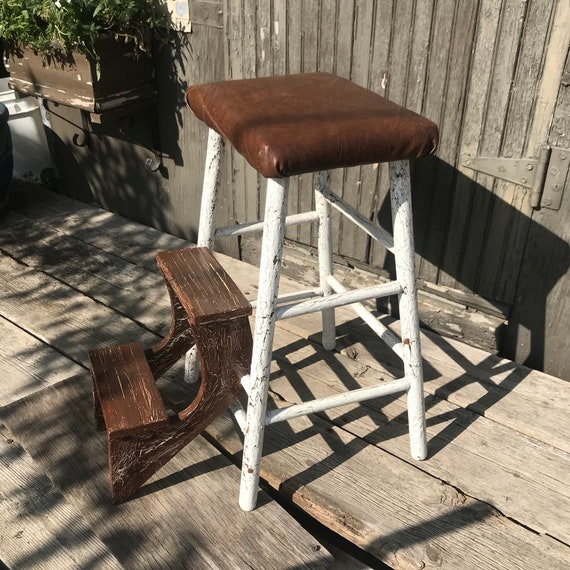 Astonishing Vintage Wooden Step Stool Folding Steps Crackled Paint Ibusinesslaw Wood Chair Design Ideas Ibusinesslaworg