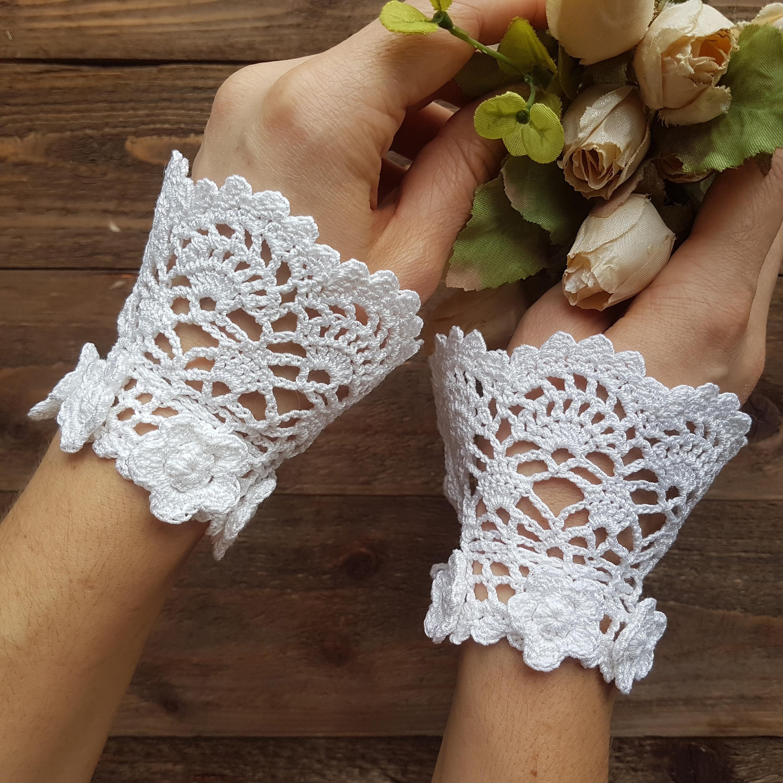 Crochet cuffs bracelet Wedding lace blacelet Women's white ruffle cuffs