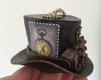 Christmas Steampunk ornament: mini hat with glasses