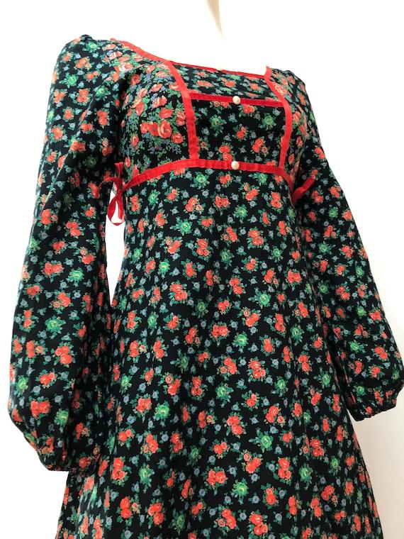 Vintage 70s midi dress-Gunne style-Pretty floral … - image 3