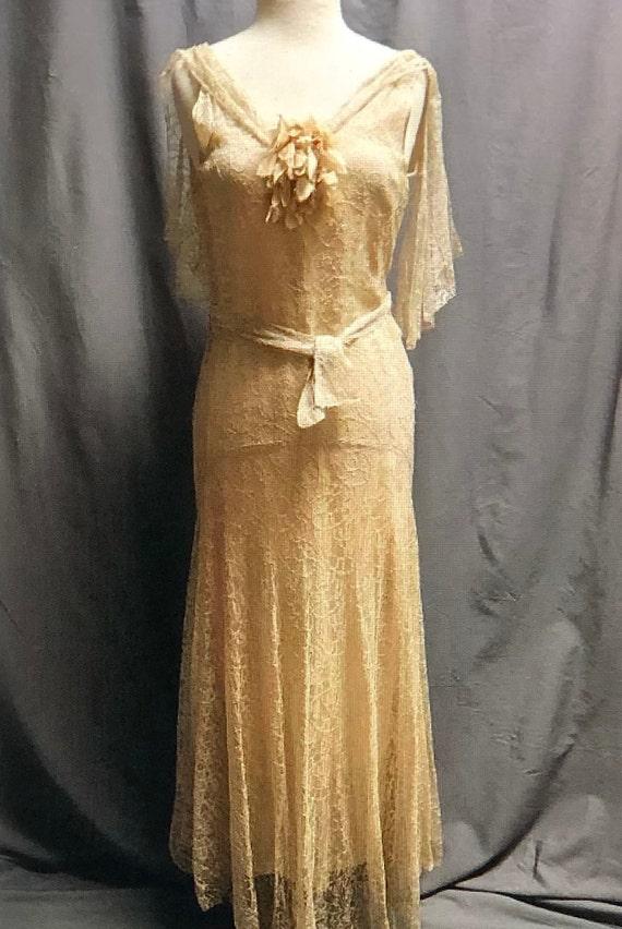 SALE! Vintage 1930s Stunning pale apricot/dark iv… - image 3