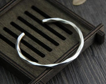 S990 Silver Twisted Bangle