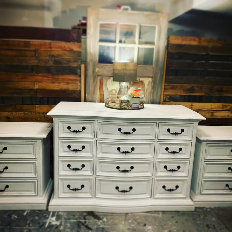 Drexel Heritage Bedroom Set   Large Dresser And Nightstands