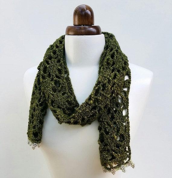 Laine soie et foulard en dentelle au crochet vert olive   Etsy 326ff4bf12b